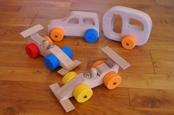 Træbiler med mælkelågshjul